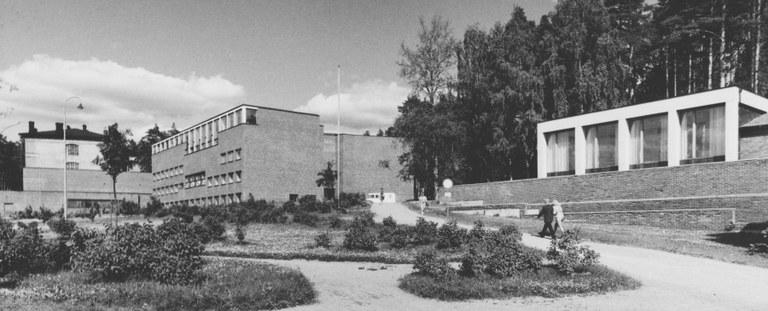 DUO_K3109_95_Jyvaskylan yliopiston rakennuksia.jpg